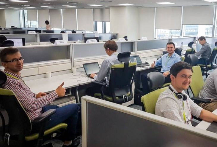 Comarch team while working in the Seoul office